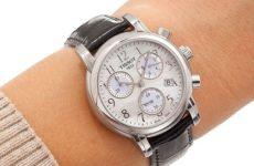 Часы в подарок на юбилей женщине: выбираем подходящие